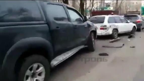Девушка-водитель разбила 11 машин, несправившись суправлением