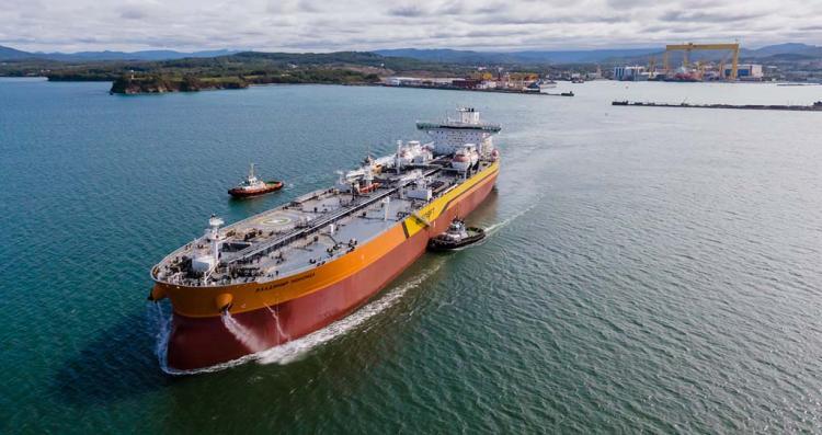 Первый построенный в крае  танкер-гигант вышел на ходовые испытания