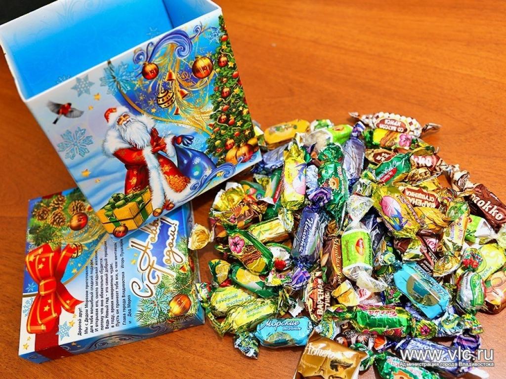 Сладкие подарки детям на новый 135