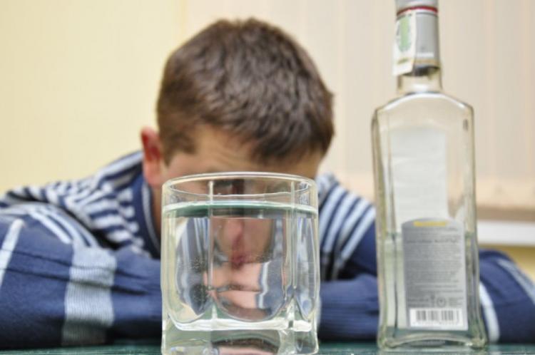 Муж пьет каждый день водку
