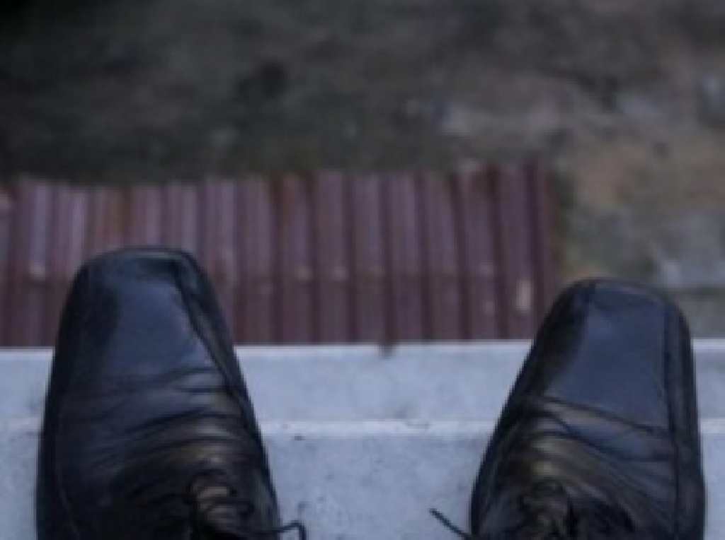 Самоубитца на улице 13 фотография