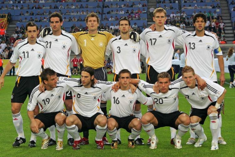 Немецкая команда по футболу