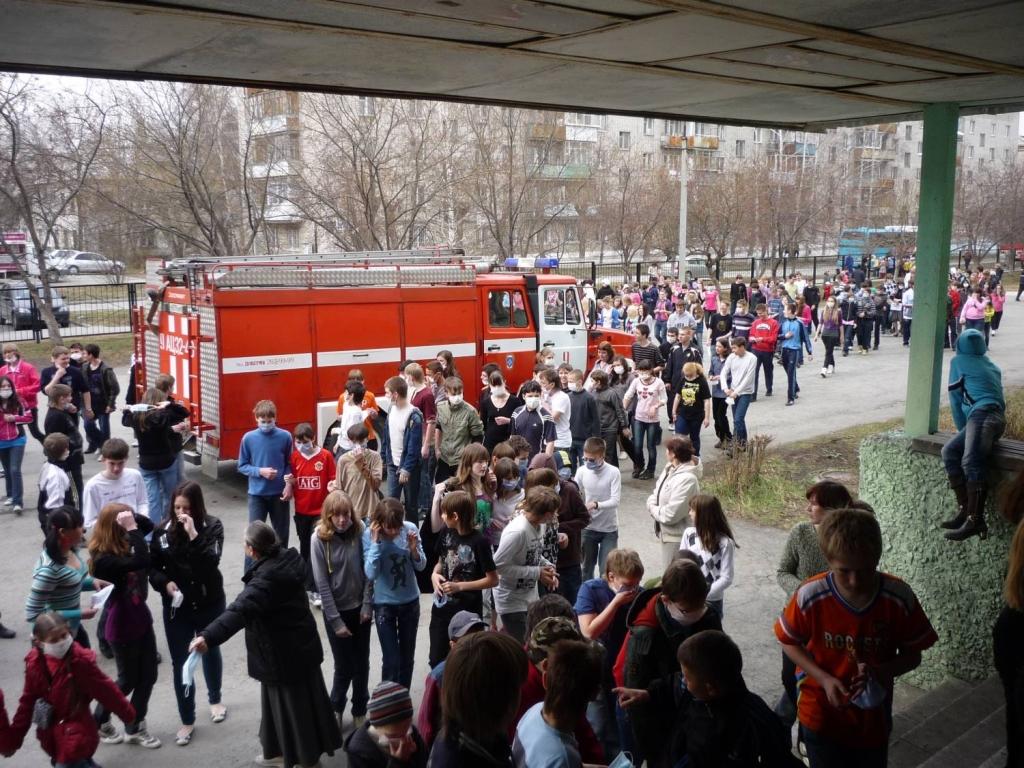 Учебный год в пермском крае начнется в ожидании пожарных эвакуаций
