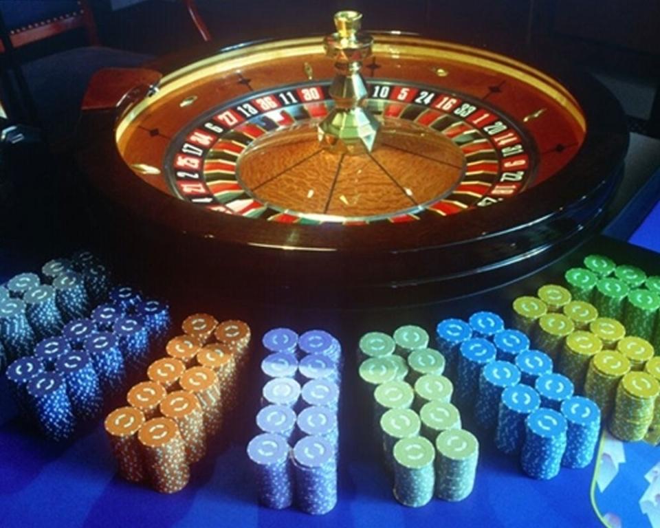 Азартные Эмуляторы Казино Онлайн На Счет Бонус С Выводом За Регистрацию 2016