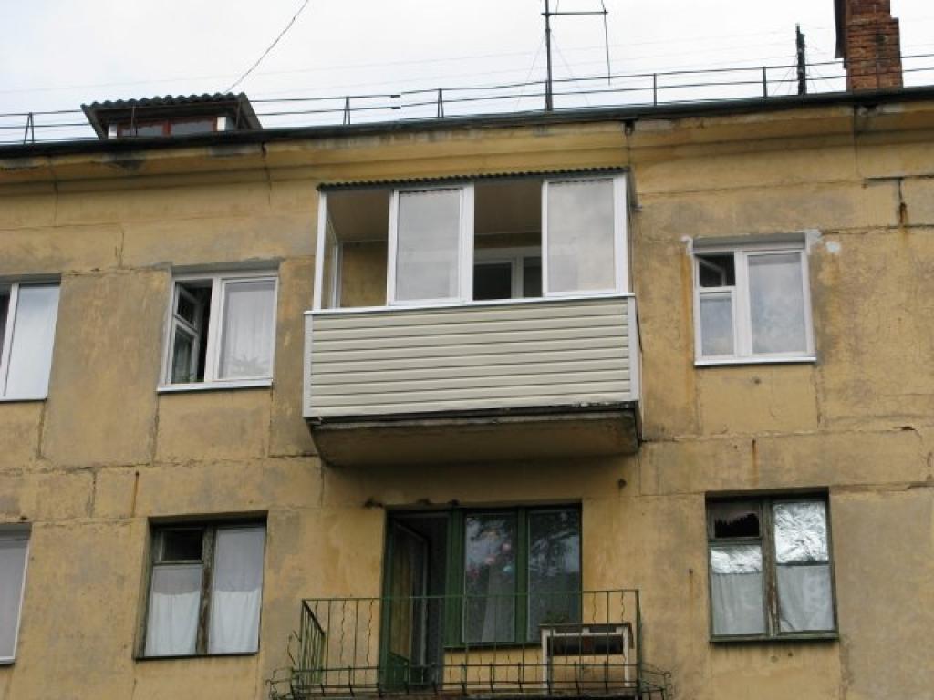 Крыша балкона на последнем этаже хрущевки.