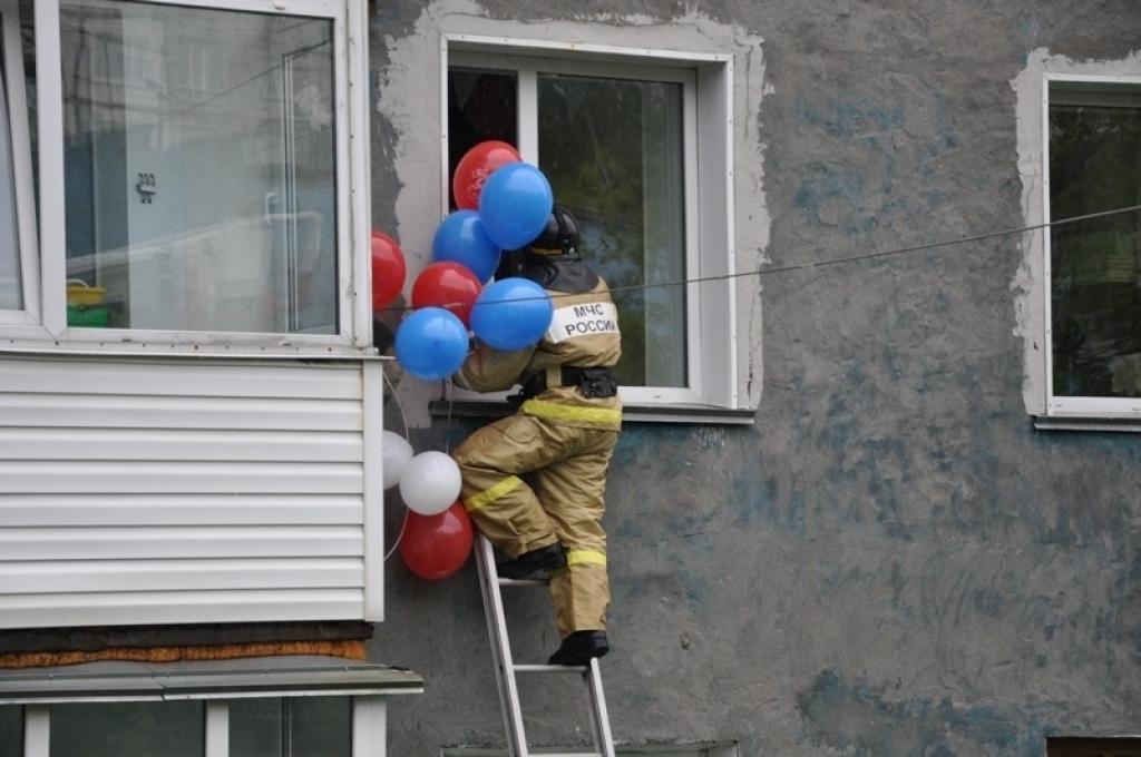 Поздравления на день рождения от пожарников