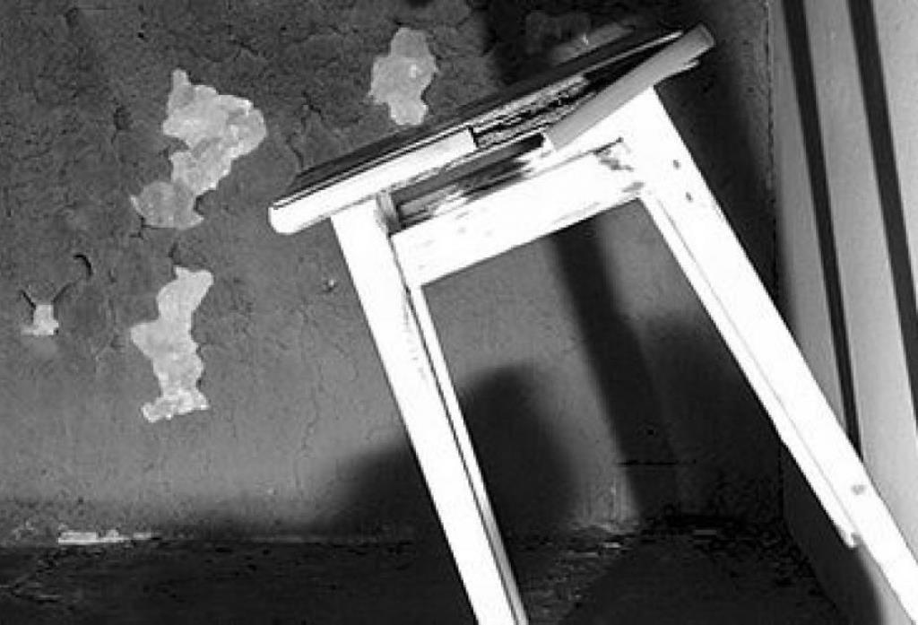 Житель Башкирии вломился в дом к старушке и избил ее табуретом