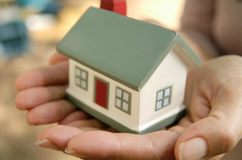 Каждая приморская семья, потерявшая жилье из-за тайфуна, получит 1,5 млн