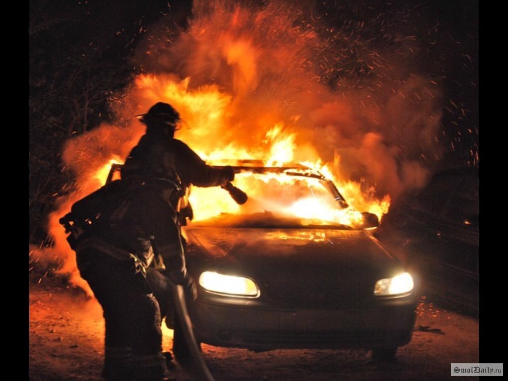 ВоВладивостоке ночью сгорела еще одна иностранная машина
