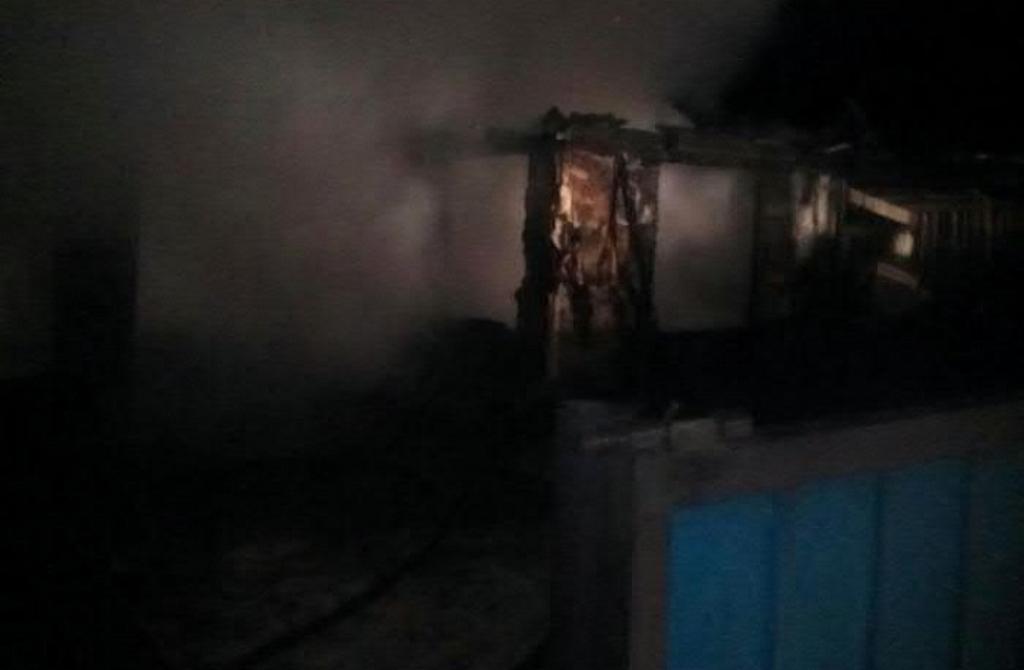 ВПриморском крае при тушении пожара вжилом доме умер  пожарный