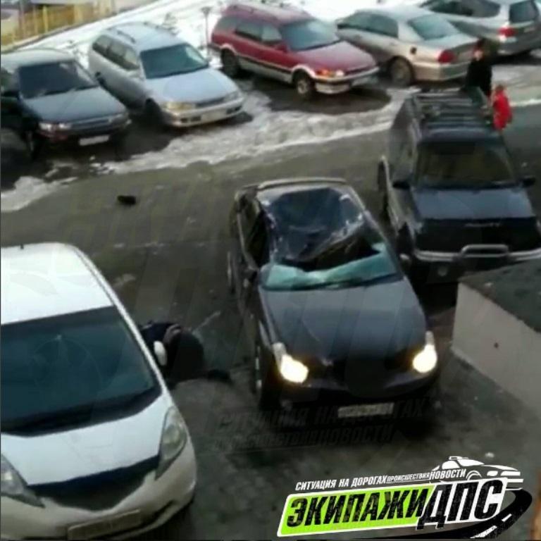 ВоВладивостоке девушка упала накрышу с24 этажа