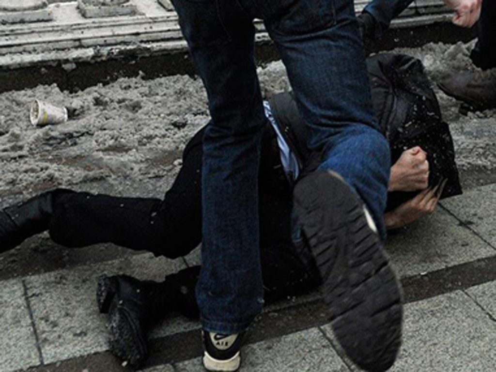 Массовая драка молодых людей произошла вбаре воВладивостоке
