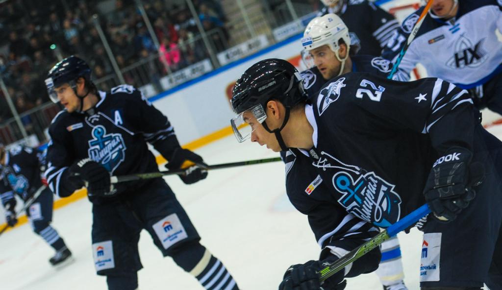 «Локомотив» разгромил «Адмирал» вматче чемпионата КХЛ