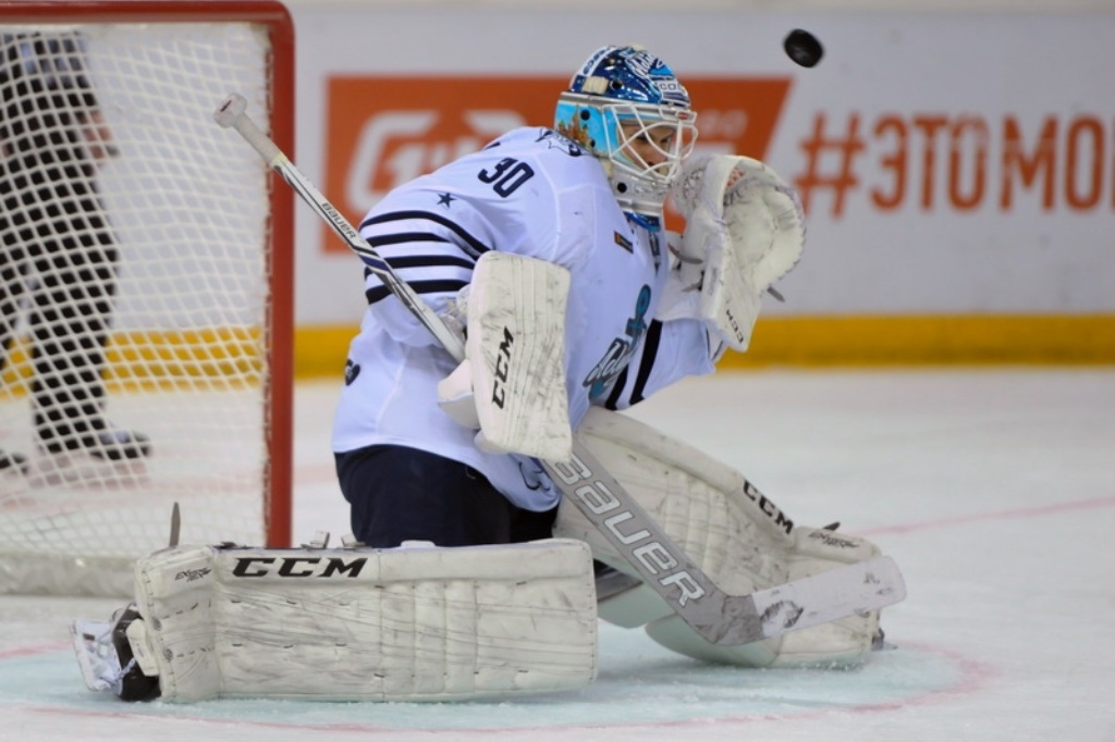 «Авангард» обыграл «Адмирал» воВладивостоке ивышел во 2-ой раунд Кубка Гагарина