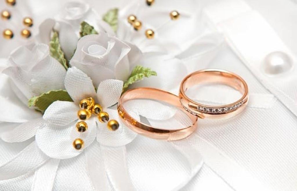Ученые: жениться следует после окончания университета