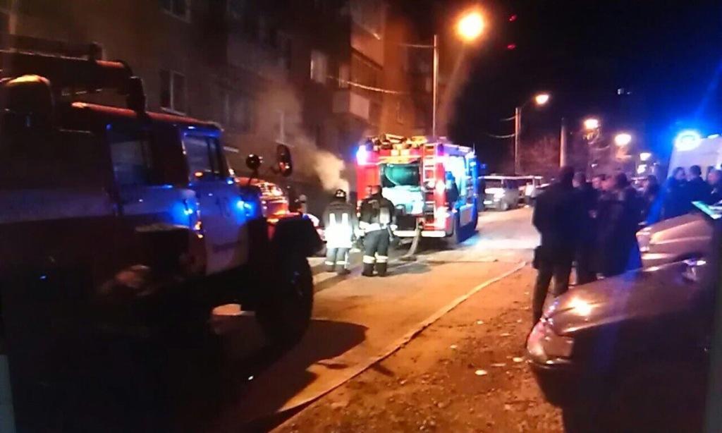 ВоВладивостоке пожарные эвакуировали полицейских