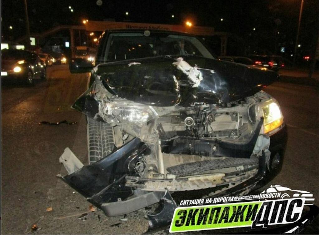 Фото: пьяная женщина разбила несколько машин во Владивостоке