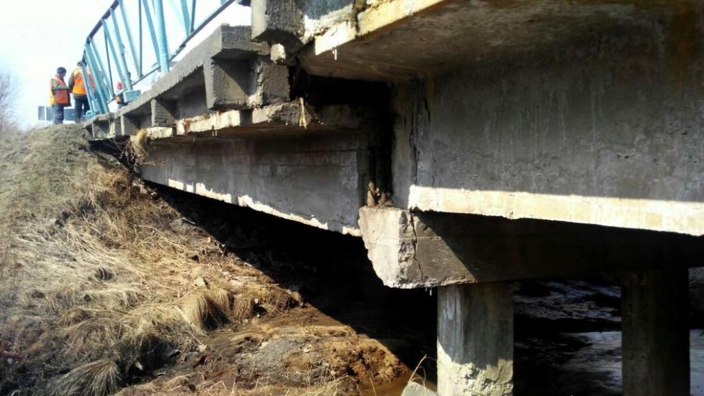 Мост впоселке Домашлино обследуют дополнительно