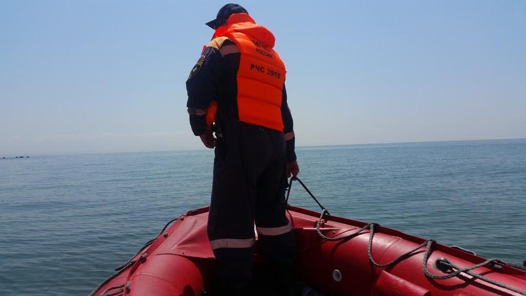 Cотрудники экстренных служб изНаходки присоединились кпоиску пропавших вПриморье рыбаков