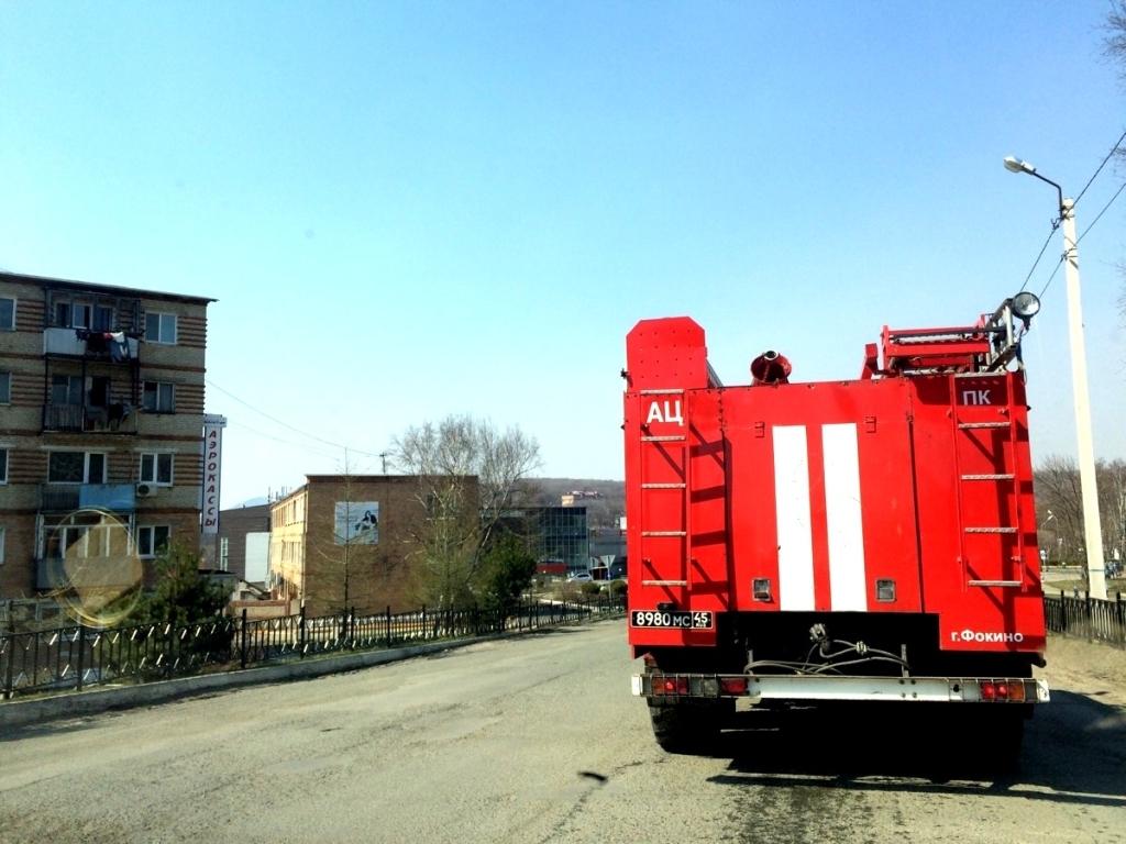ВКазани пожарные вывели изгорящего дома 30 человек