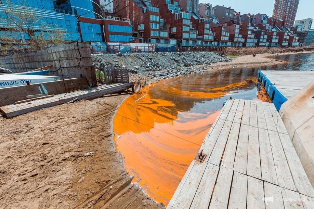 Берега Владивостока окрасились воранжевый цвет— Оранжевое море