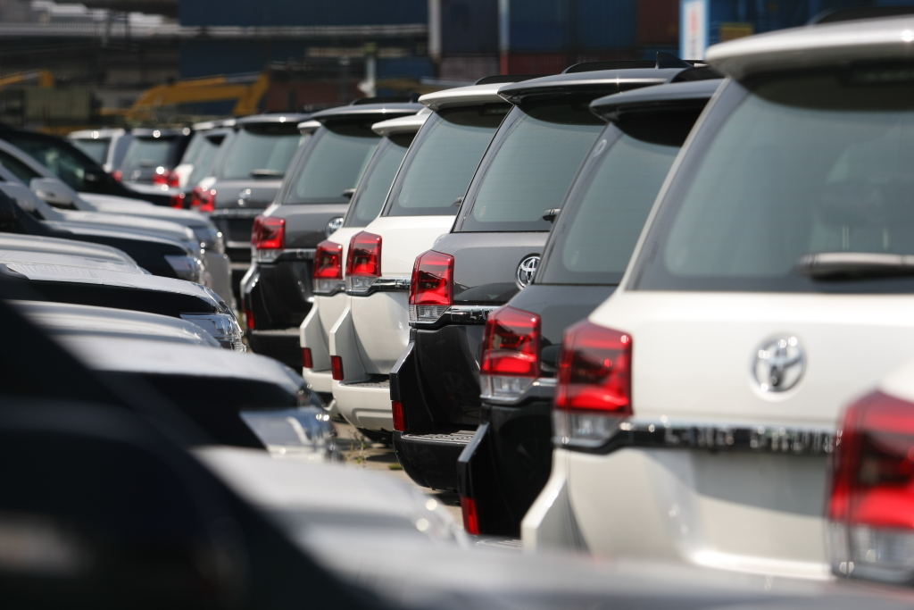 Натаможнях Дальневосточного округа из-за дефицита клавиш ЭРА-ГЛОНАСС скопились тысячи авто