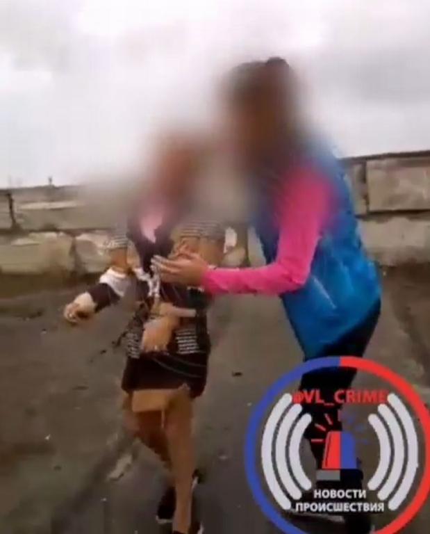 ВПриморье подростки сняли избиение сверстницы навидео