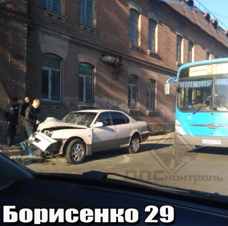 ВоВладивостоке рабочего насмерть зажало вкабине экскаватора
