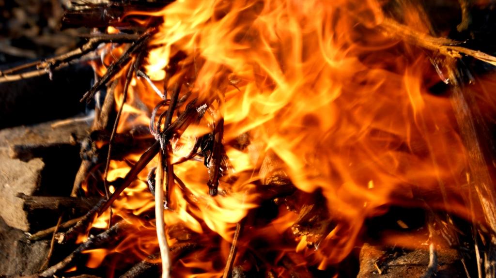 Вцентре Владивостока произошёл мощный пожар