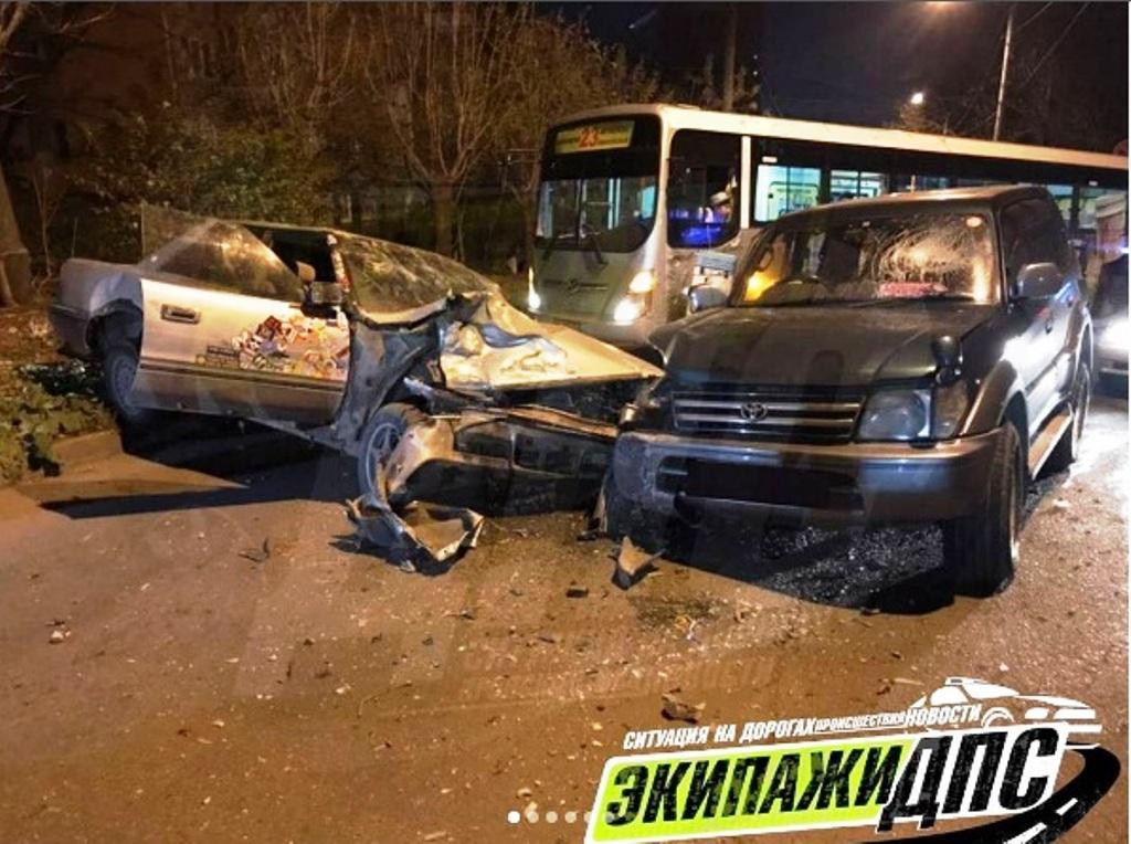 Появилось фото ДТП во Владивостоке, где пьяные подростки спровоцировали аварию и скрылись