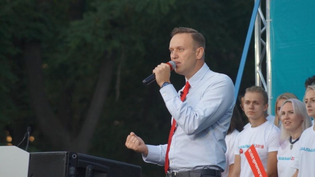 Навальный подает всуд на В.Путина