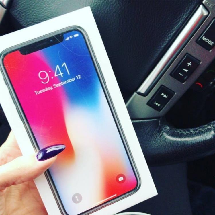 Щелкающий дисплей: вновом iPhone Xобнаружили очередной дефект