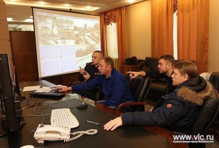Штаб поликвидации последствий снегопада продолжает работу вадминистрации Владивостока