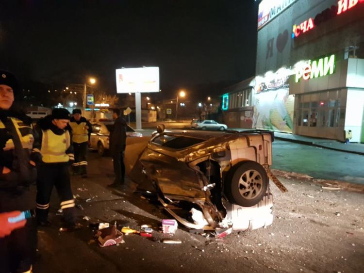 ВоВладивостоке нетрезвый лихач наиномарке протаранил автомобиль ДПС