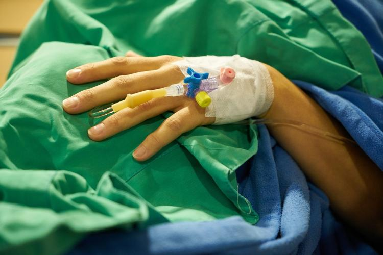 Пациенты больницы воВладивостоке задержали мужчину, ранившего медсестру спицей