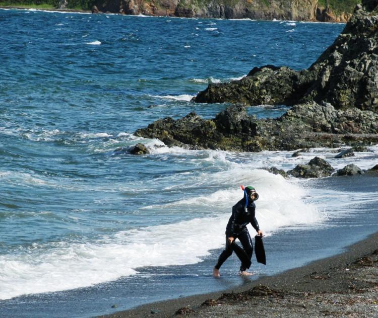 Cотрудники экстренных служб Приморья ищут неподнявшегося аквалангиста