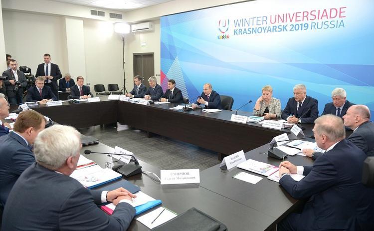 Путин удивлен первопричиной неосвоения бюджетных при реконструкции клиники Красноярска