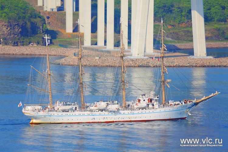 ВоВладивосток прибыл японский парусник «Кайво Мару»
