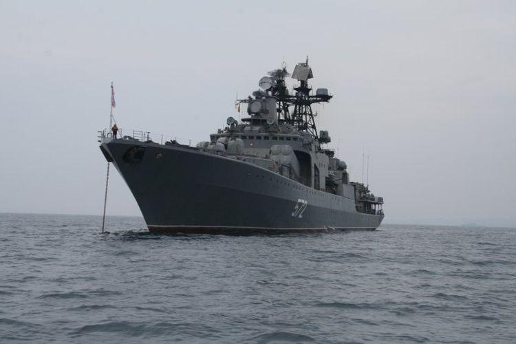 Военные моряки из Российской Федерации иЯпонии совместно тренировались вдосмотре судна