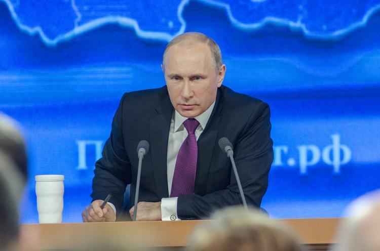 Владимир Путин дал руководству право увеличивать экспортные пошлины на горючее до90%