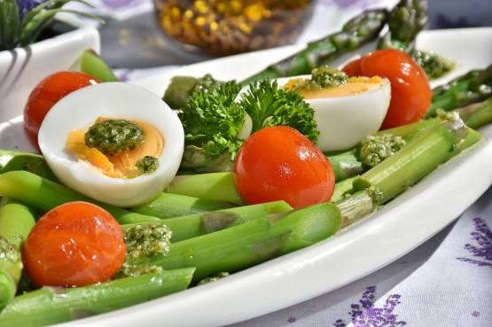 Llamado a una dieta que ayuda a perder peso y no volver a ganarla.