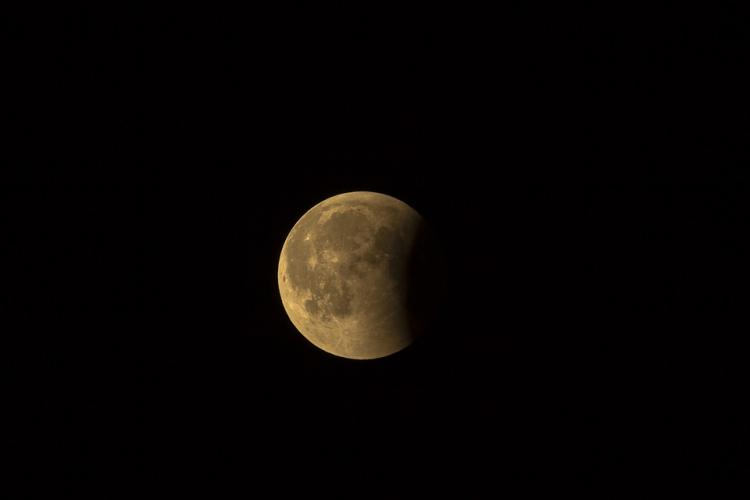 lunar-eclipse-3568835_960_720.jpg