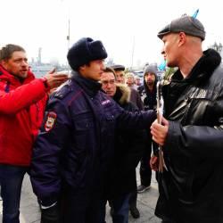 Около 150 человек пришли поддержать возвращение льгот для жителей Дальнего Востока #17