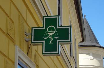 logo-pharmacy-3215049_1280.jpg