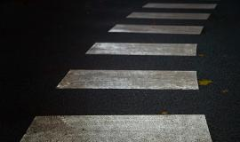 crosswalk-4417371_960_720.jpg